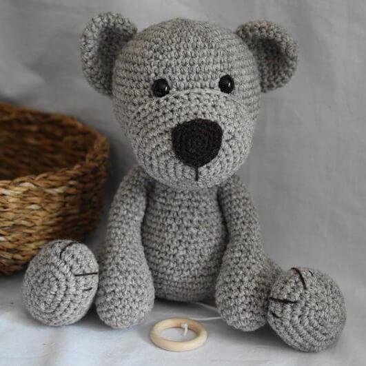 Geschenke zur Geburt_Diana Pfister blatt.werk.statt Illustration + Gestaltung, Teddymanufaktur_Teddyspieluhr