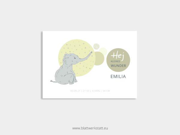 individuelle Postkarte zur Geburt mit Elefant gruen